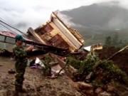 Tin tức trong ngày - Clip: Hiện trường tảng đá đập nát 3 ngôi nhà ở Sa Pa