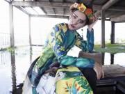 Thiếu nữ Việt e ấp trong tà áo dài cách tân