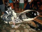 Tin tức trong ngày - Dân đuổi đánh tài xế gây tai nạn, kéo lê xe máy hơn 3km