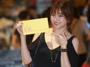Phim - Hari Won một mình ra Hà Nội ủng hộ phim của bạn trai