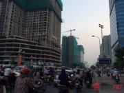 Tài chính - Bất động sản - HN: Đường sá ngày càng tắc nghẹt vì chung cư bủa vây