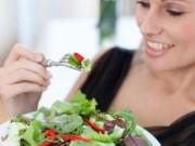 Sức khỏe đời sống - Nhịn ăn, giảm ăn mà vẫn tăng cân là sao?