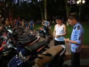 Tin tức trong ngày - Gửi xe vào tuyến phố đi bộ chỉ với giá từ 5.000 đồng