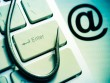 """Coi chừng email lừa đảo """"tặng"""" kèm mã độc!"""