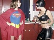 """Tranh vui - Ngỡ ngàng với các """"siêu anh hùng"""" ngoài đời thực"""