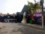 """An ninh Xã hội - Cảnh sát đột kích quán bar đưa hơn 100 """"dân chơi"""" về trụ sở"""