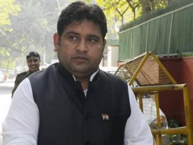 Bộ trưởng Ấn Độ lộ clip sex bị bắt vì nghi hiếp dâm