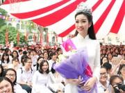 Thời trang - Hoa hậu Mỹ Linh rạng rỡ dự khai giảng trường cũ