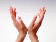 Làm đẹp - 6 bước làm sạch móng tay mỗi ngày chị em nên biết