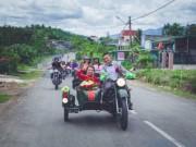 Bạn trẻ - Cuộc sống - 9X rước dâu bằng 40 xe minsk gây sốt ở Lâm Đồng