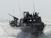 Thế giới - Tàu Iran chặn nguy hiểm sát đầu tàu Mỹ ở vịnh Ba Tư