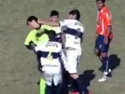 Bóng đá - Sốc: Nổi điên, cầu thủ đấm trọng tài nhập viện