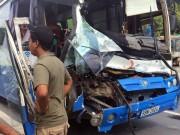 Tin tức trong ngày - Đề xuất khen thưởng người hùng cứu xe khách mất thắng