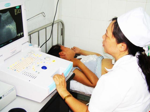 Kíp trực bệnh viện Đà Nẵng bật nhạc ầm ĩ để bệnh nhân đợi cả tiếng - 2