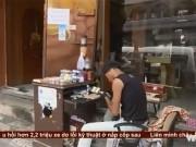 Bạn trẻ - Cuộc sống - Công việc lạ đời giúp chàng trai trẻ hái ra tiền