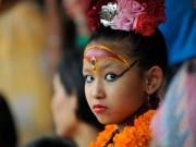 Thế giới - Nepal: Tôn bé gái 7 tuổi làm nữ thần vì có giọng như vịt