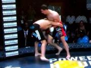 """Thể thao - MMA: Võ sĩ """"tởn"""" đến già vì bị ngất vẫn ăn đấm"""