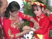 """Bạn trẻ - Cuộc sống - """"Choáng"""" với hồi môn đám cưới gần 11 tỷ ở miền Trung"""