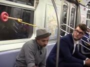Video Clip Cười - Cách tránh làm phiền người khác ở nơi công cộng
