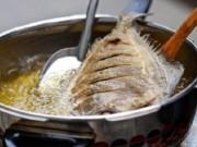 Sức khỏe đời sống - Gia đình Việt nên dùng dầu ăn hay mỡ động vật để tốt cho sức khỏe?