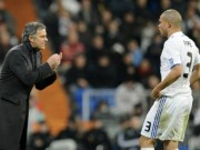MU: Hàng thủ kém cỏi ở derby, Mourinho tính mua Pepe