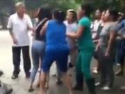 Tin tức trong ngày - Xác định nữ sinh cầm dao đuổi bạn trước cổng trường
