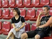 Bóng đá - ĐT futsal Việt Nam được nữ sinh xinh đẹp tiếp sức