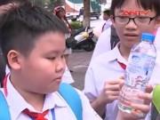 """Video An ninh - Hạt nhựa nở cực độc ồ ạt """"tái xuất"""" trước cổng trường"""