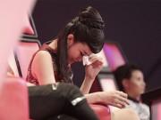 Giải trí - Đông Nhi khóc nấc vì học trò The Voice Kids bị chỉ trích