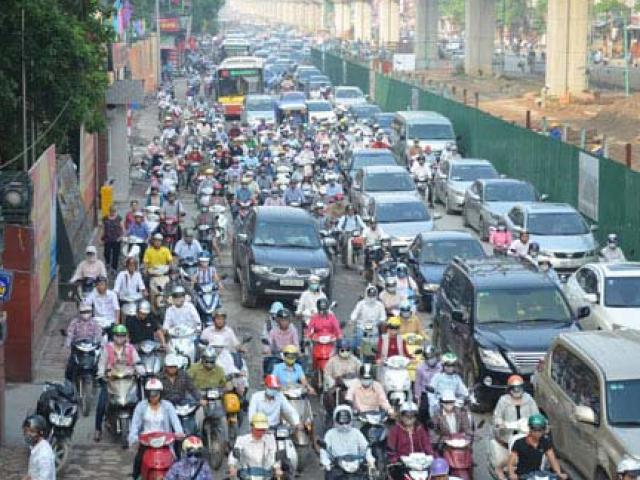Cấm xe máy là xúc phạm 80% người dân - 5
