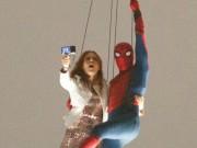 Phim - Rò rỉ cảnh người nhện vừa selfie vừa đu dây ngoạn mục