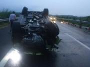 """Tai nạn giao thông - Ô tô bạc tỷ """"phơi bụng"""" trên cao tốc Long Thành-Dầu Giây"""