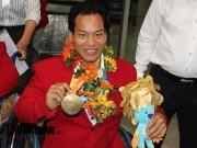 HCV Paralympic Lê Văn Công nhận  mưa  tiền thưởng