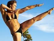 Quá stress? Một vài động tác yoga này hẳn là thần dược!