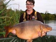 Thế giới - Anh: Bị dọa giết, hiếp sau khi bắt được cá chép khổng lồ
