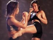 Thể thao - Muay Thái: Đấm, đá, đập vào bụng luyện 6 múi