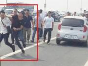 Tin tức trong ngày - Giám đốc CA Hà Nội lên tiếng vụ hành hung phóng viên