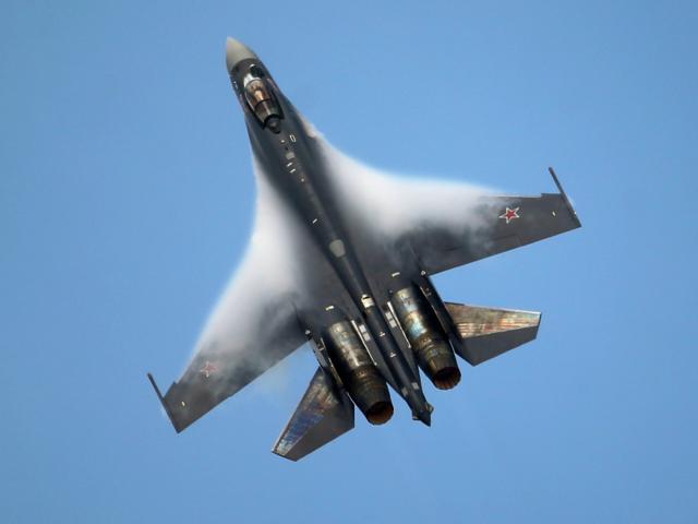 """Su-35, T-50 Nga khiến """"chim ưng"""" F-16 Mỹ thành đồ bỏ đi"""
