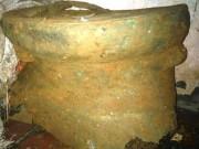 Tin tức trong ngày - Đào móng nhà, phát hiện trống đồng cổ 2 ngàn năm tuổi