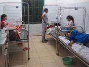 Nam Định: 45 người nhập viện sau khi ăn cỗ