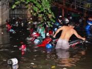 Tin tức trong ngày - Hơn 1.000 xe máy chìm nghỉm dưới tầng hầm ở Sài Gòn