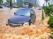 Tin tức ô tô - Những nguyên tắc lái ôtô an toàn trong mưa bão