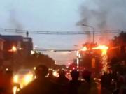 Tin tức trong ngày - Dây điện cháy nổ như pháo hoa trên phố Sài Gòn