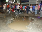 Tin tức trong ngày - Sập hố trên đường, nam công nhân bị container cán chết