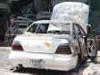 Xế hộp bốc cháy ngùn ngụt trong gara ô tô