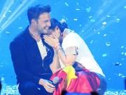 Vắng khách, show nhạc của thủ lĩnh Westlife vẫn ngập tràn cảm xúc