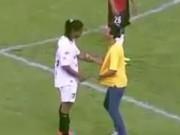 """Bóng đá - Ronaldinho """"tái mặt"""" vì fan cuồng"""