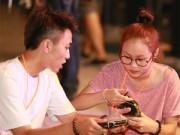 Bạn trẻ - Cuộc sống - Con gái Thanh Lam quấn quýt bên bạn trai kém tuổi