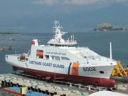 Tin tức trong ngày - Chùm ảnh: Tàu cảnh sát biển 8002 trước giờ hạ thủy