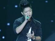 """Ca nhạc - MTV - Quang Anh """"lãng tử"""" trên sân khấu Giọng hát Việt nhí"""